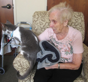 Animal therapy helps patient with dementia.